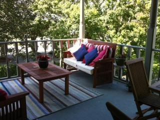 Ocean Drive Condo Right on Historic Bellevue Ave - Rhode Island vacation rentals