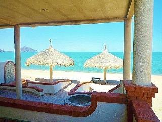 Juliet Front Yard Beach House - 8 car garage - San Felipe vacation rentals