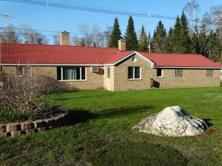Lem's Paradise - Lake Huron Waterfront - Northeast Michigan vacation rentals