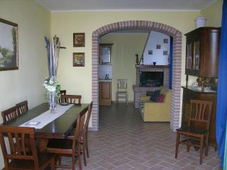 apartment in farmhouse near Piedicolle x 4 guests - Collepepe vacation rentals
