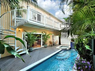 """THE CORAL HOUSE"" Luxury Monthly- Parking and Pool - Florida Keys vacation rentals"