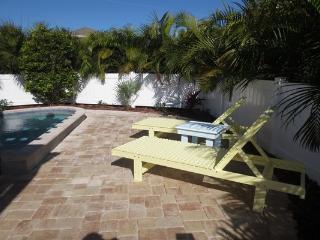 Citrus Cottage - Holmes Beach vacation rentals