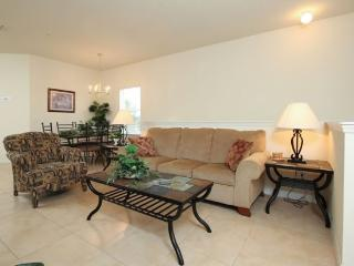 3 Bedroom 2 Bath Condo Located 1.5 miles From Disney. 2712OD - Orlando vacation rentals