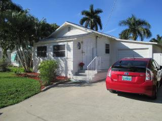 Romantic 1 bedroom Cottage in Bradenton - Bradenton vacation rentals