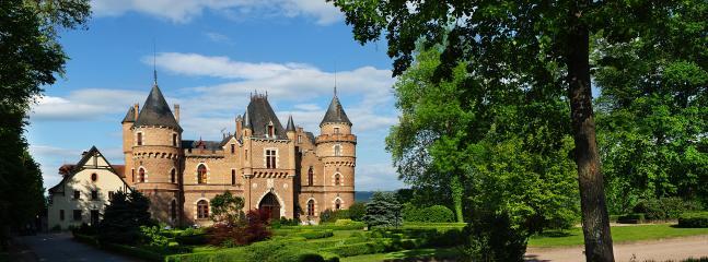 Facade - Chateau de Maulmont former royal hunting lodge - Saint-Priest-Bramefant - rentals