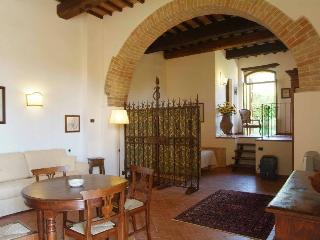 Independent apartment in countryside nearTrasimeno - Magione vacation rentals