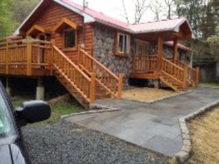 Custom Log Home Summer Rental - Hancock vacation rentals