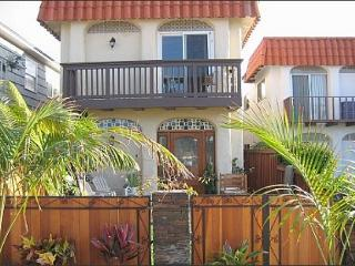 La Jolla Beach Rental Condo With Private Yard - La Jolla vacation rentals