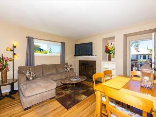 Charming Windansea Beach Cottage with private yard - La Jolla vacation rentals