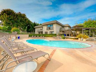 Solana Beach condo just steps to the pool and ocean - La Jolla vacation rentals