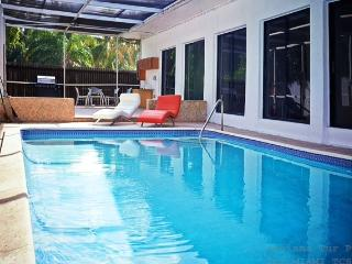 sunny isles beach/pool house/two blocks from beach - Sunny Isles Beach vacation rentals