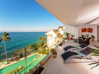 Deluxe Condo, ocean facing in Puerto Vallarta, Mexoico - San Miguel de Allende vacation rentals