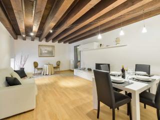 1 bedroom Apartment with Internet Access in Verona - Verona vacation rentals