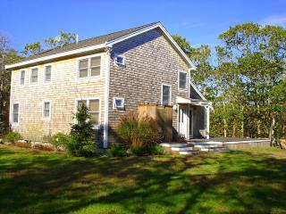 ITALA - North Slope Custom Home, Large Wrap Around Deck, WiFi - Chilmark vacation rentals