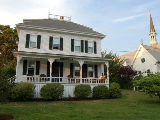 MONAR - In-Town, Walk to Beach, Wifi Internet - Oak Bluffs vacation rentals