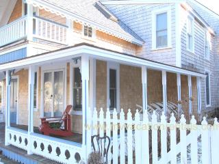 HAYEL - Gingerbread Cottage, Walk to Town, Harbor Area and Inkwell Beach - Oak Bluffs vacation rentals