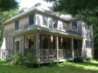 LERNT - Pristine Contemporary Farmhouse, Walk to Town, Central A/C - Vineyard Haven vacation rentals