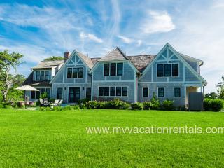 MORAA - Luxury Home Overlooking Farm Neck Golf Course with Waterviews, Ferry Tickets,  Short Bike Ride to State Beach or Oak Bluffs Town Center. - Oak Bluffs vacation rentals