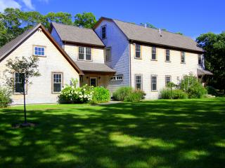 CLARA - Luxury Home, Makonikey, Central Air, WiFi - Vineyard Haven vacation rentals