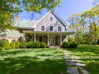 OCALK - Charming Custom Home, 3 Living Areas, Chef's Kitchen, Large Private Yard and Patio Area, A/C in 3 Bedrooms, Walk to Town, Perfect for Extended Families - Vineyard Haven vacation rentals