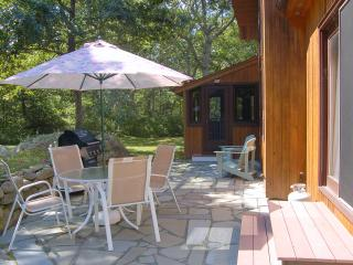 PERRG - North Slope Hilltop House.  Private yard, Screeen  Porch and Patio, All new AC Throughout, 8 minute drive to Lucy Vincent Beach or Menemsha Village - Chilmark vacation rentals