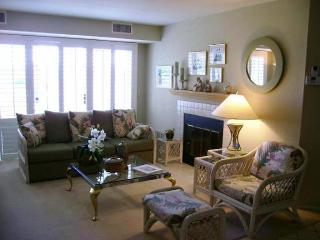 Nice House with Internet Access and Shared Outdoor Pool - San Diego vacation rentals