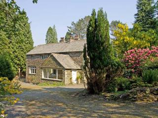LAKESIDE COTTAGE, spacious cottage with hot tub, woodburner, large garden, near Lake Windermere, Newby Bridge Ref 906452 - Coniston vacation rentals