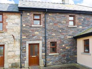 Smuggler's Hide, terraced cottage with woodburner, garden, close to beach, Cullenstown, Ref. 912132 - Kilrane vacation rentals