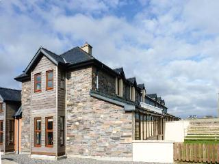 Smuggler's Hide, terraced cottage with woodburner, garden, close to beach, Cullenstown, Ref. 912132 - Carrick on Bannow vacation rentals
