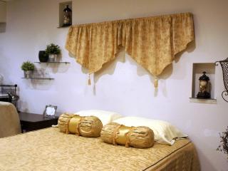 Chic Condo in Affluent Community - Mercer Island vacation rentals