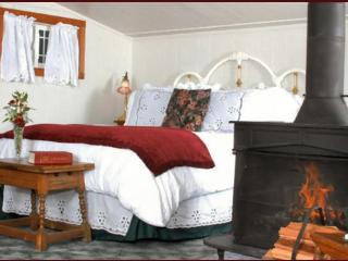 Ocean View Cottage - Includes Gourmet Breakfast! - Little River vacation rentals