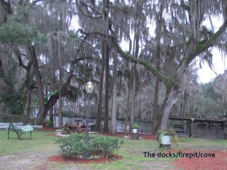 Mom's River House..quiet n peaceful, canoes, docks - Hernando vacation rentals