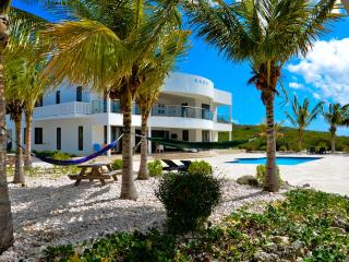 Luxury oceanfront villa with homecinema and private beach - Willibrordus vacation rentals