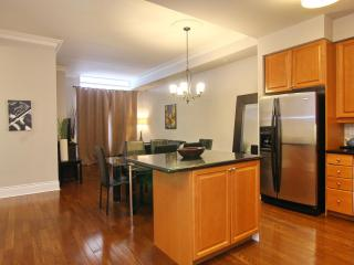 Penthouse - 3br - Hotel Alternative - Square One - Mississauga vacation rentals