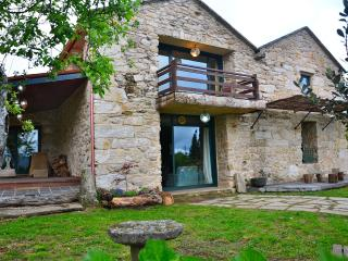 Impressive rural house in Galicia - O Grove vacation rentals