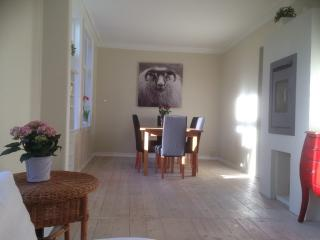 OLD BERGEN HOUSE NEWLY RENOWATED, 3 BEDROOMS - Bergen vacation rentals