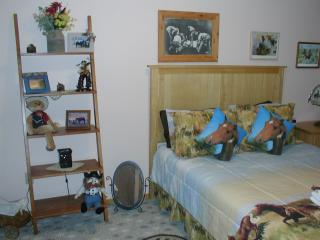 Rustic Cowboy Room withinKing mountain B&B - Moore vacation rentals