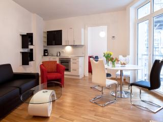 Central - opposite HUGE PARK + BALCONY - Berlin vacation rentals