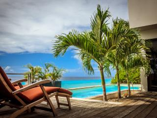 Casa Esmeralda ***Exclusive Oceanfront Luxury!!*** - Kralendijk vacation rentals