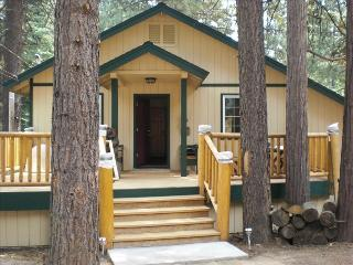 Custom Home in Almanor Pines Weekly Rental - Lake Almanor vacation rentals