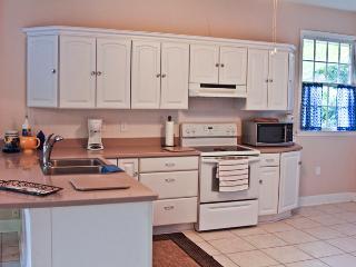 Comfortable home in Savannah - Savannah vacation rentals