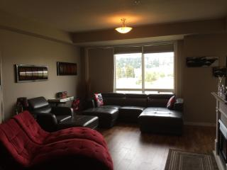 beach view, pool side condo- perfect location ! - Kelowna vacation rentals