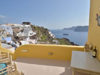 Wind House, A unique caldera house in Oia - Oia vacation rentals