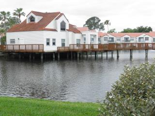 Cozy Lake View -Near Golf, Airport & Main Routes - Alafaya vacation rentals