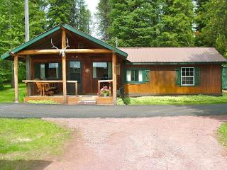 Cozy 3 bedroom West Glacier Cabin with Internet Access - West Glacier vacation rentals
