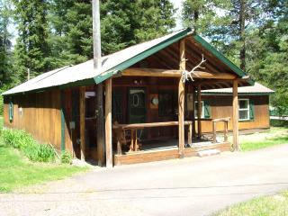 Cozy 3 bedroom Cabin in West Glacier with Internet Access - West Glacier vacation rentals