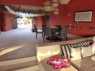 CASA CHULA  ON OCEAN: STAY NOW THRU JAN AND GET 20% DISCOUNT - Puerto Escondido vacation rentals