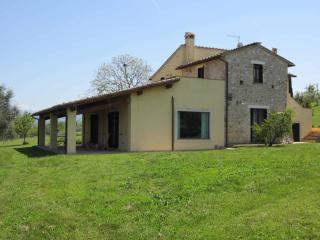 Old Country House, sleeps 10 - Calvi dell'Umbria - Calvi dell'Umbria vacation rentals
