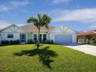 Casa Maya–15 Minutes to Open Waters, Dock and Lift - Cape Coral vacation rentals