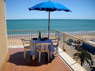 A room with a view of the beach of Vasto - Vasto vacation rentals